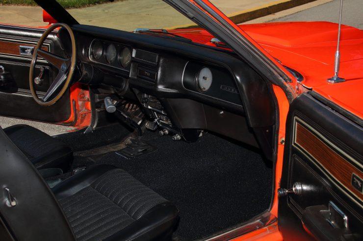 Mercury Cougar Boss 302 11 740x493 - 1969 Mercury Cougar Boss 302