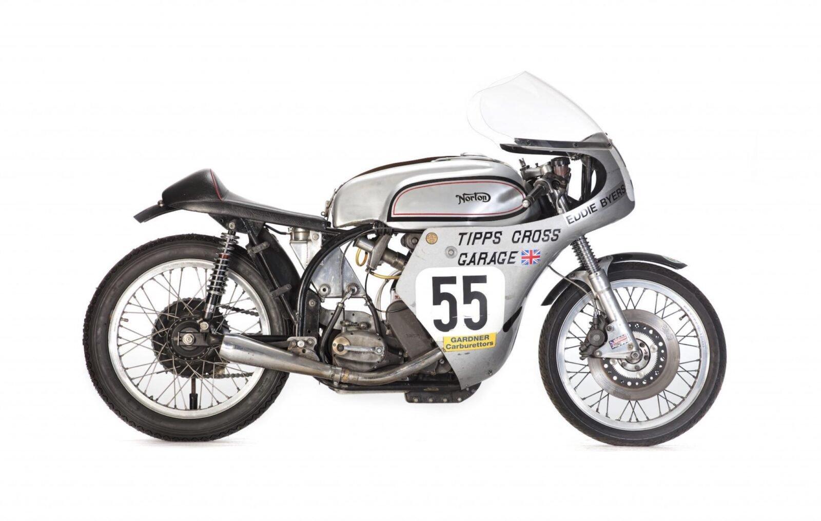 Norton Manx Racing Motorcycle 10 1600x1016 - Norton Manx