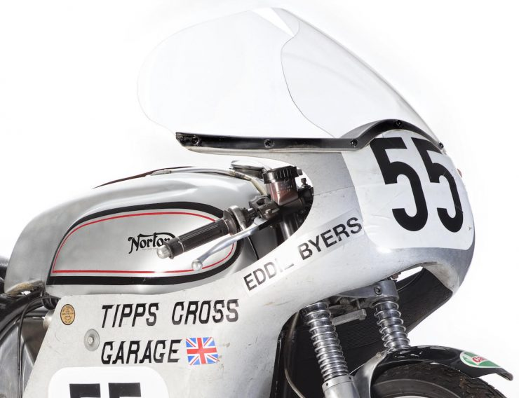 Norton Manx Racing Motorcycle 5 740x568 - Norton Manx