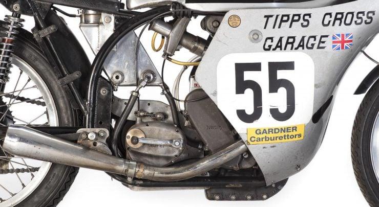 Norton Manx Racing Motorcycle 6 740x405 - Norton Manx