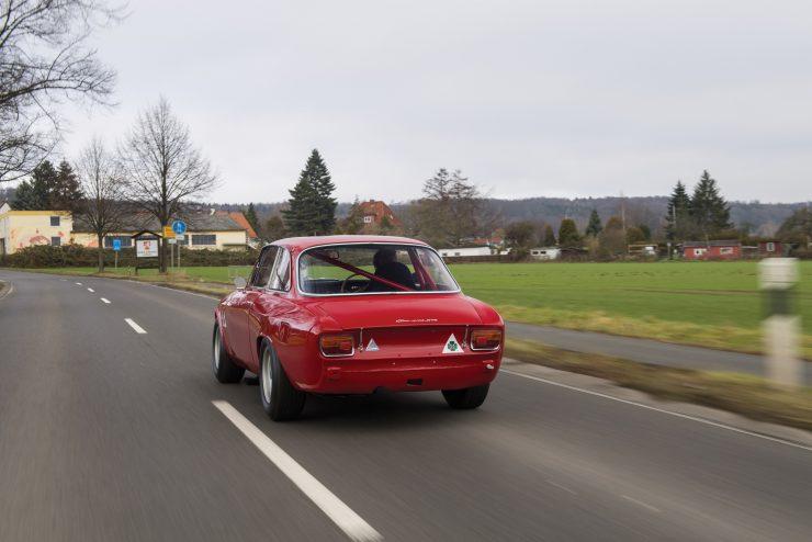 alfa romeo giulia 19 740x494 - 1965 Alfa Romeo Giulia Sprint GTA