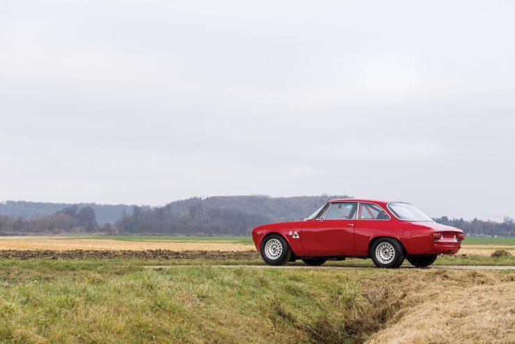 alfa romeo giulia 2 740x494 - 1965 Alfa Romeo Giulia Sprint GTA