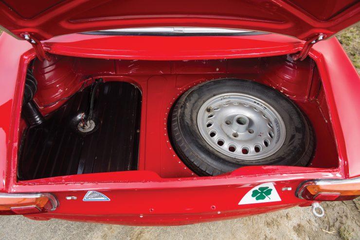 alfa romeo giulia 24 740x494 - 1965 Alfa Romeo Giulia Sprint GTA