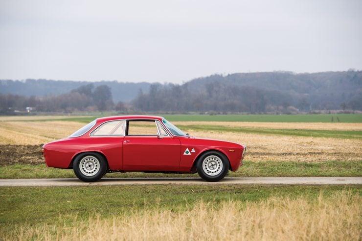 alfa romeo giulia 5 740x494 - 1965 Alfa Romeo Giulia Sprint GTA