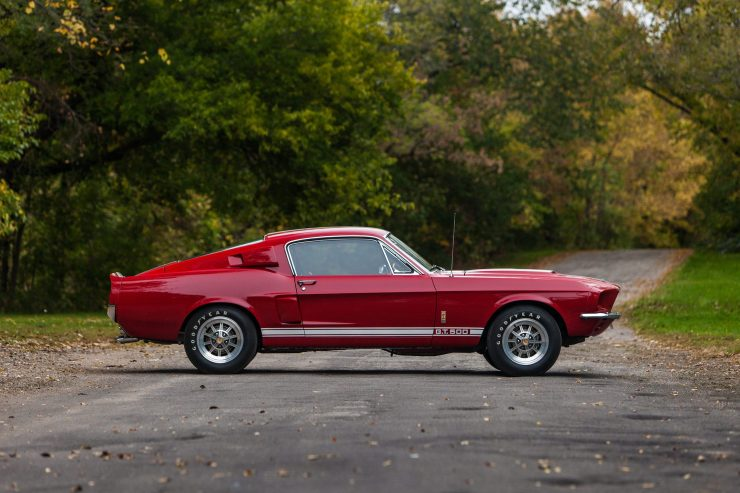 1967 Shelby GT500 Mustang 2 740x493 - 1967 Shelby GT500 Mustang