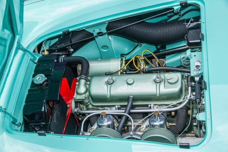 Austin Healey 1004 10 740x493 - The 1955 Earls Court Motor Show Car - Austin-Healey 100/4