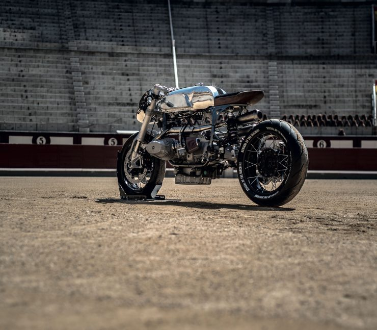 BMW R100RS 12 740x647 - Revival of the Machine BMW R100RS