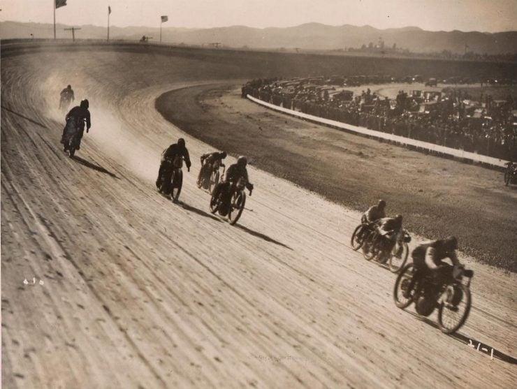 Board track racing 740x557 - 1919 Indian Powerplus Board Track Racer