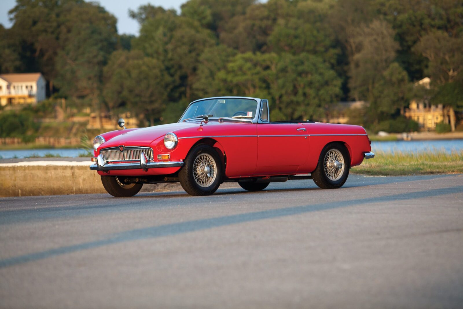 Buying Guide MGB Roadster Front 1600x1067 - The Essential Buying Guide: MGB Roadster