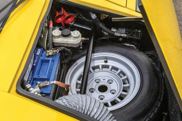 Lamborghini Countach LP400 1 740x493 - 1975 Lamborghini Countach LP400 Periscopio