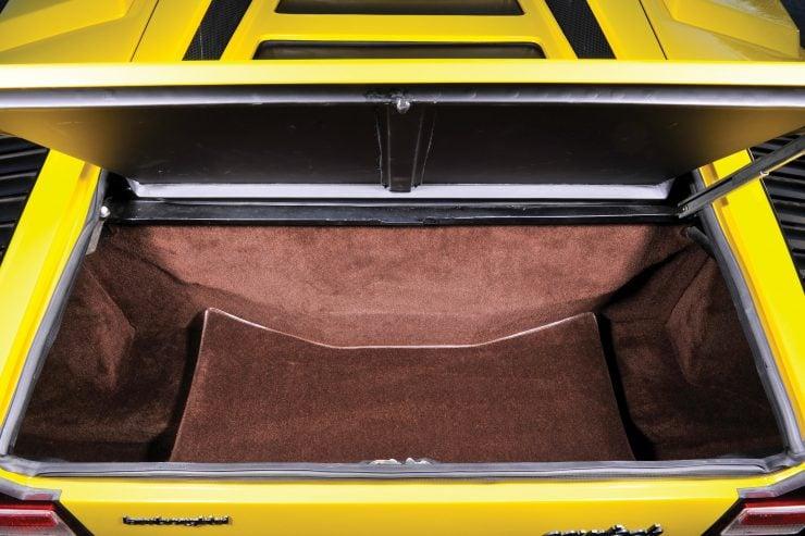 Lamborghini Countach LP400 2 740x493 - 1975 Lamborghini Countach LP400 Periscopio