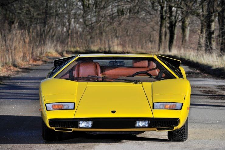 Lamborghini Countach LP400 6 740x493 - 1975 Lamborghini Countach LP400 Periscopio