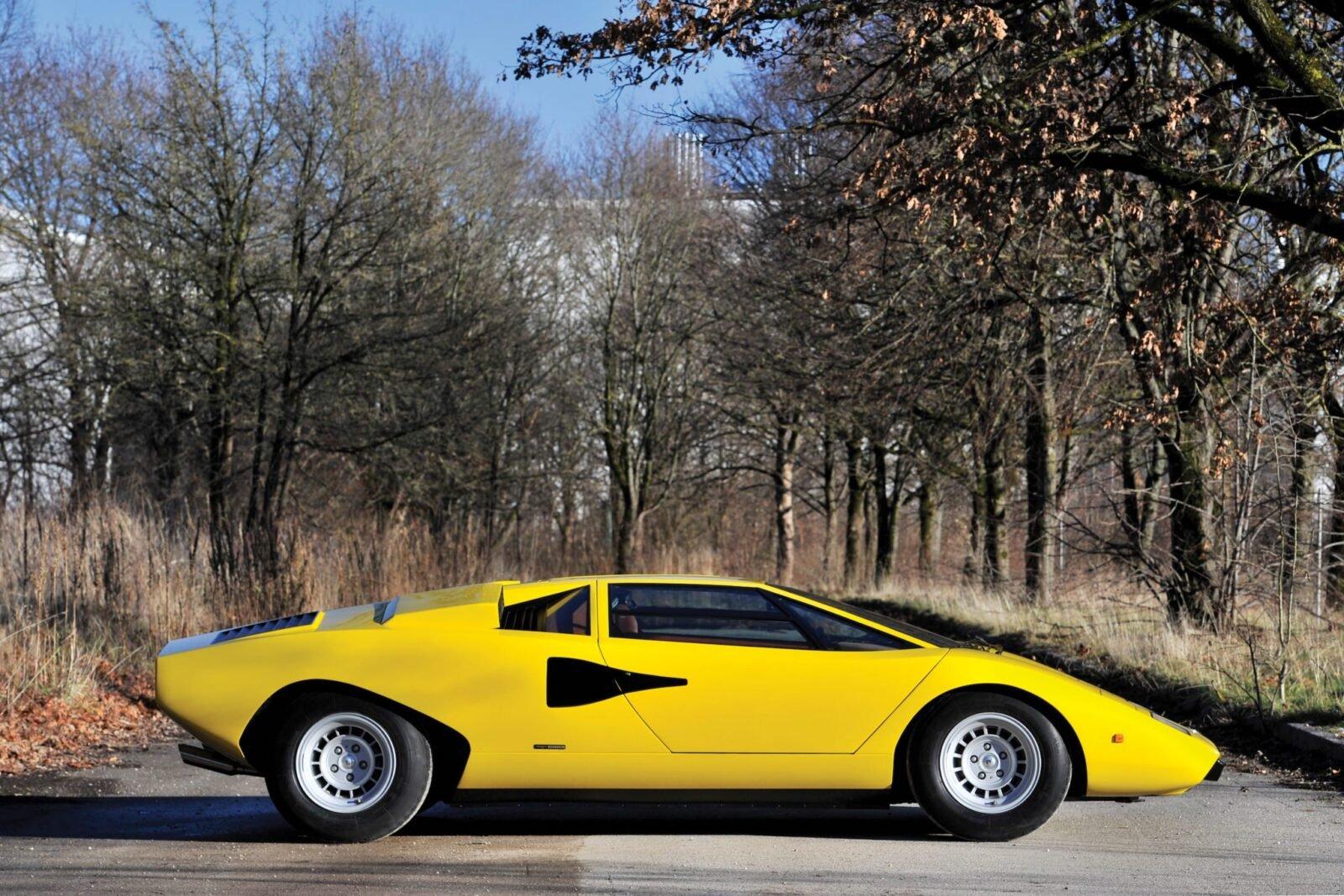 Lamborghini Countach LP400 9 1600x1067 - 1975 Lamborghini Countach LP400 Periscopio