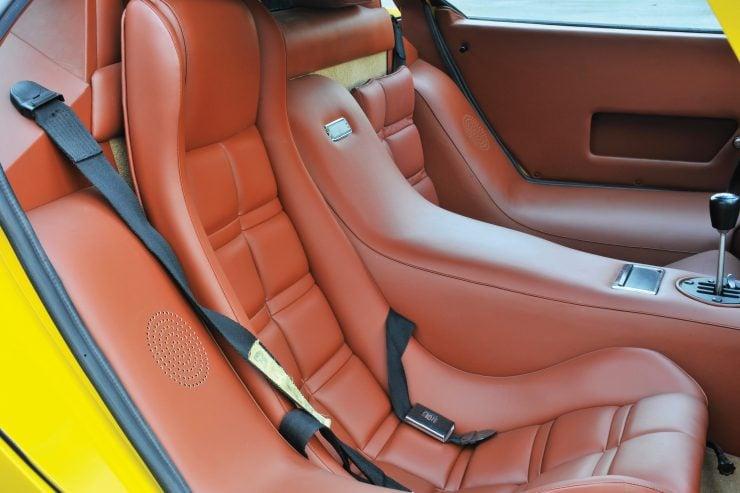 Lamborghini Countach LP400 Interior 740x493 - 1975 Lamborghini Countach LP400 Periscopio