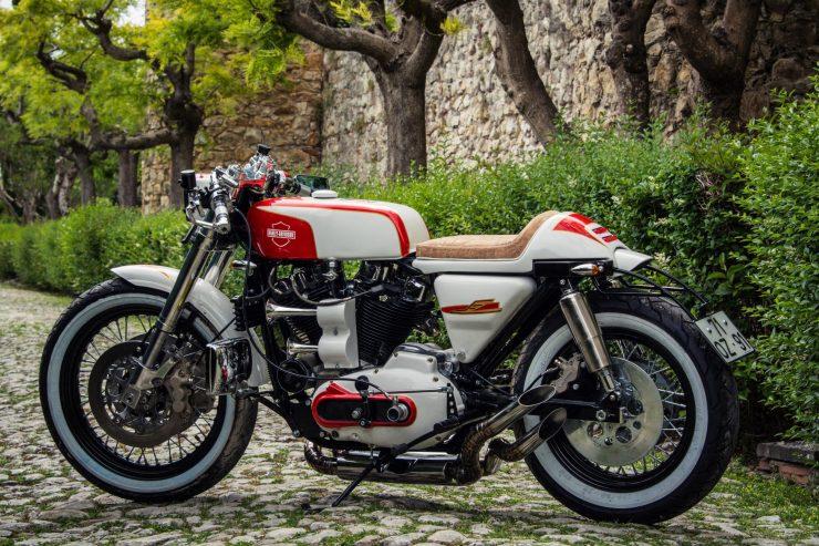 harley davidson ironhead sportster 12 740x493 - Redonda Motors Harley-Davidson Ironhead