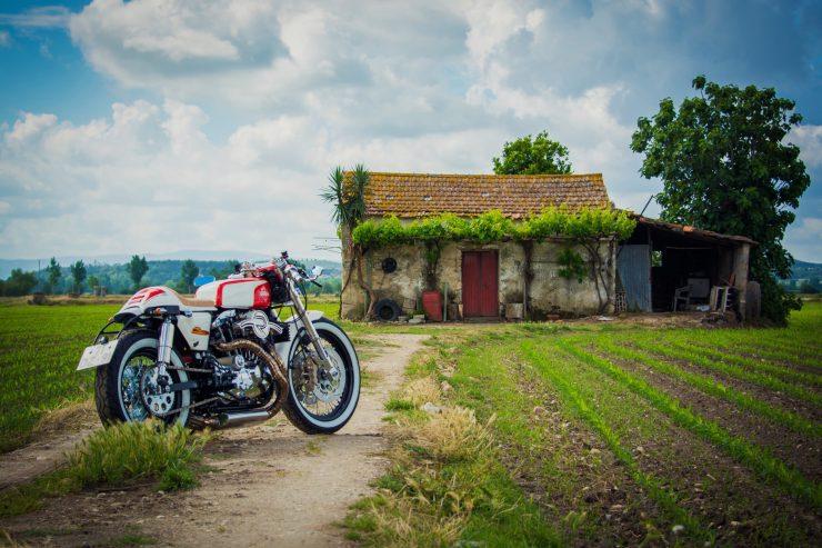 harley davidson ironhead sportster 2 740x493 - Redonda Motors Harley-Davidson Ironhead