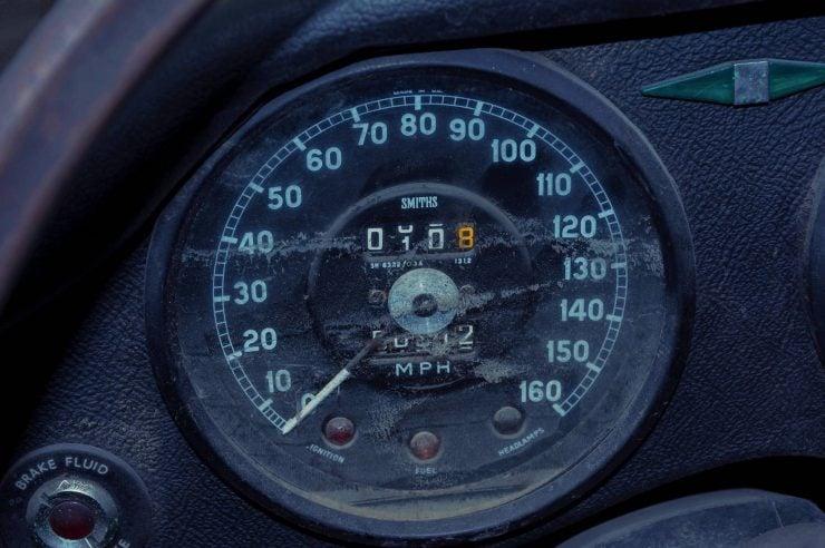 jaguar e type xke series 1 2 740x492 - Project Car: Jaguar E-Type Series 1