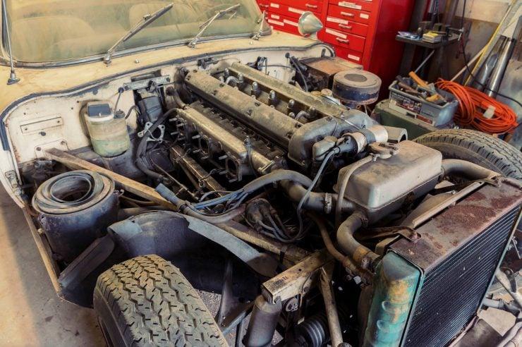 jaguar e type xke series 1 8 740x492 - Project Car: Jaguar E-Type Series 1
