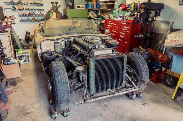 jaguar e type xke series 1 9 740x492 - Project Car: Jaguar E-Type Series 1