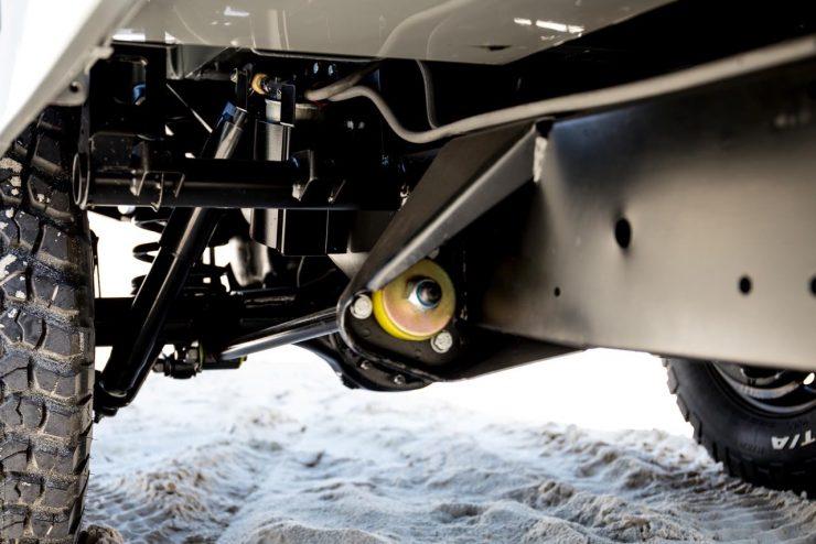 land rover defender 10 740x494 - Land Rover Defender Td5