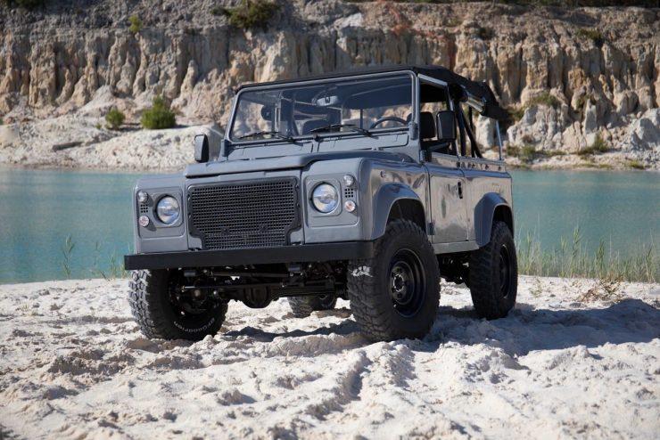 land rover defender 15 740x494 - Land Rover Defender Td5
