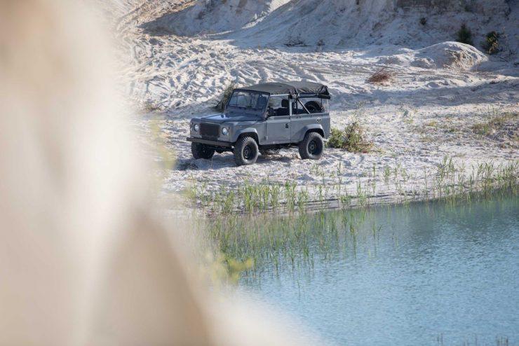 land rover defender 21 740x494 - Land Rover Defender Td5