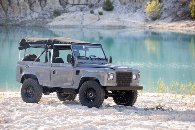 land rover defender 43 740x494 - Land Rover Defender Td5