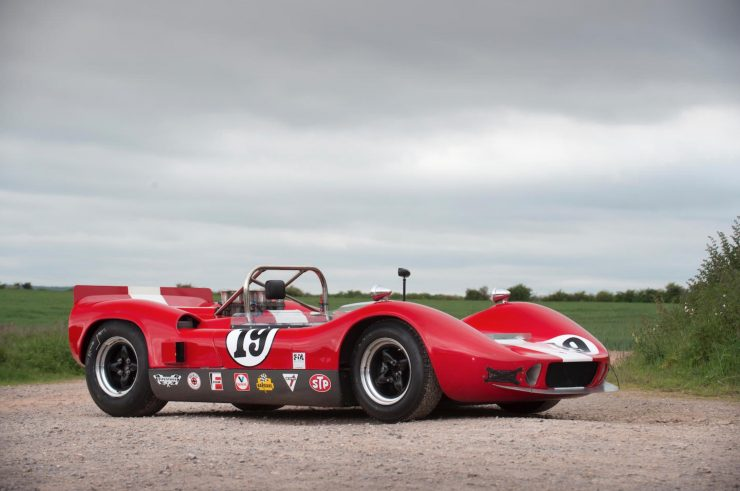 mclaren m1b can am car 1 740x491 - 1965 McLaren M1B Group 7 Can-Am Racer