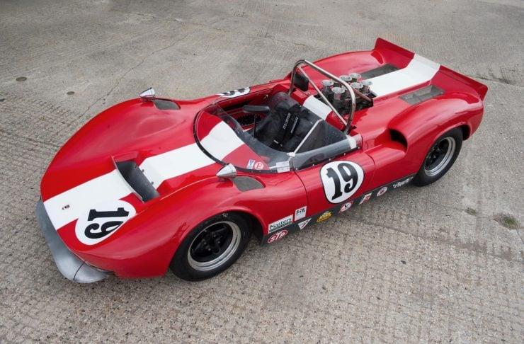 mclaren m1b can am car 11 740x486 - 1965 McLaren M1B Group 7 Can-Am Racer