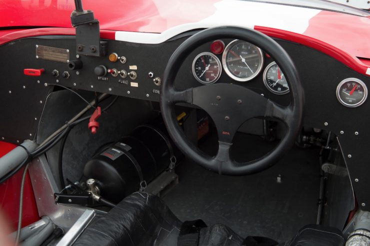 mclaren m1b can am car 16 740x492 - 1965 McLaren M1B Group 7 Can-Am Racer