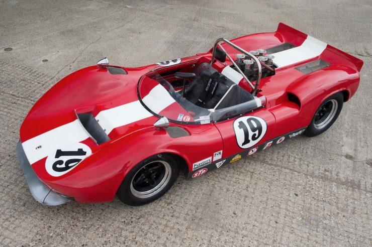 mclaren m1b can am car 8 740x492 - 1965 McLaren M1B Group 7 Can-Am Racer