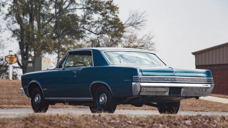 1965 Pontiac GTO 10 740x416 - 1965 Pontiac GTO