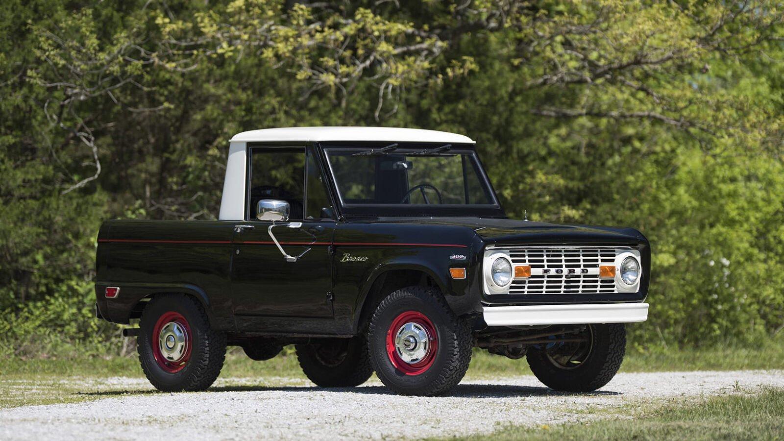 Ford Bronco Half Cab 11 1600x900