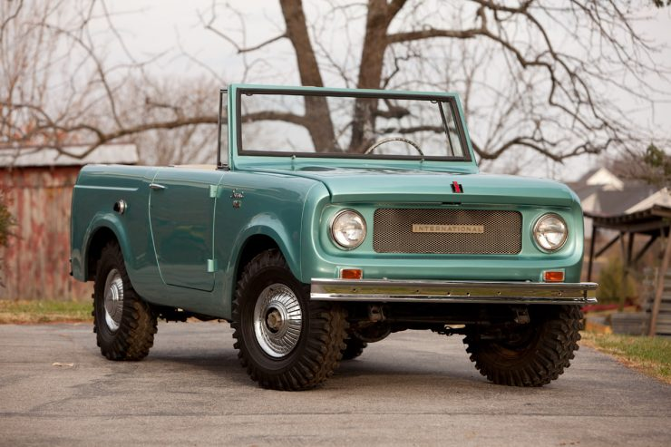 International Harvester Scout 800 740x493 - Essential Buying Guide: International Harvester Scout 80 + 800