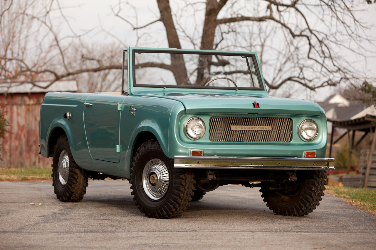 Essential Buying Guide: International Harvester Scout 80 + 800