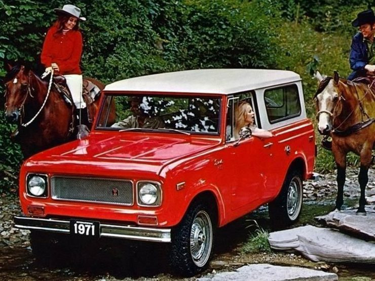 International Harvester Scout Red 740x555 - Essential Buying Guide: International Harvester Scout 80 + 800