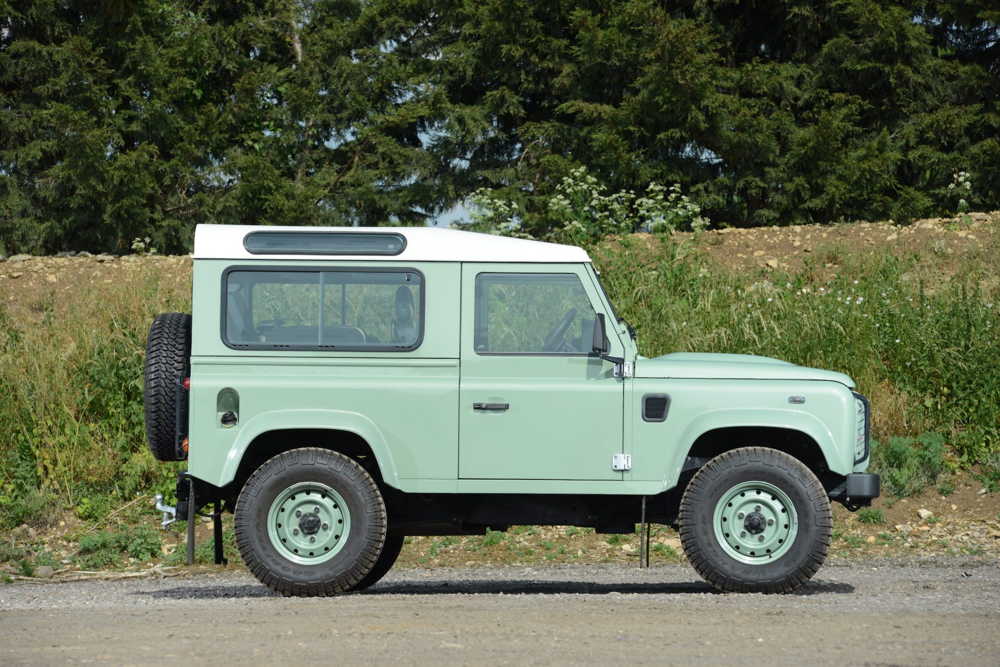 Range Rover Interior >> Rowan Atkinson's Land Rover Defender