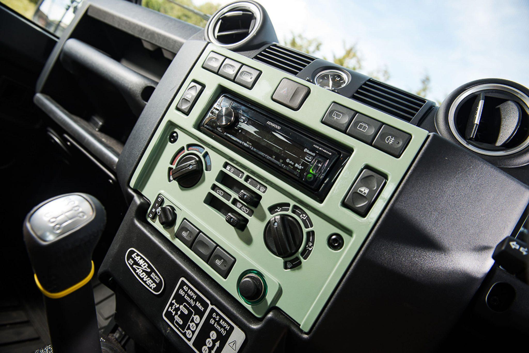 Rowan Atkinson's Land Rover Defender 9 - Rowan Atkinson's Land Rover Defender