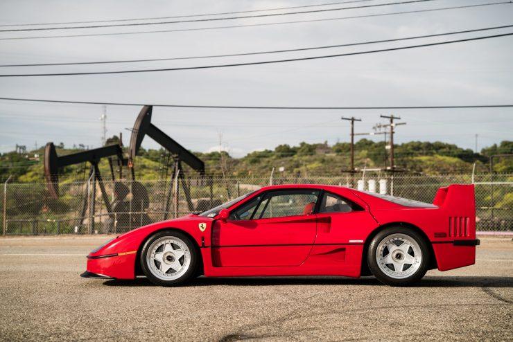 ferrari f40 21 740x494 - 1992 Ferrari F40
