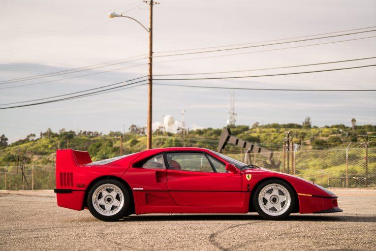 ferrari f40 25 740x494 - 1992 Ferrari F40