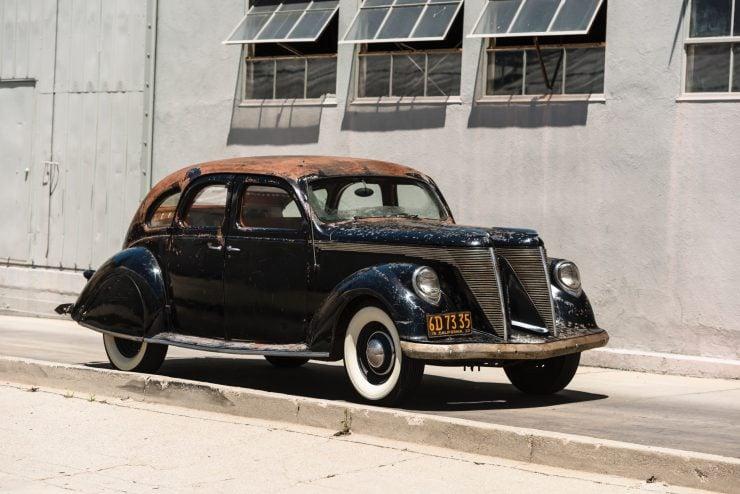 """lincoln zephyr v12 car 1 740x494 - 1936 Lincoln-Zephyr V12 """"Twin-Grille"""""""