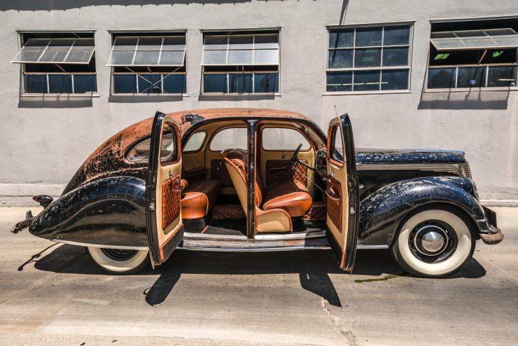 """lincoln zephyr v12 car 15 740x494 - 1936 Lincoln-Zephyr V12 """"Twin-Grille"""""""