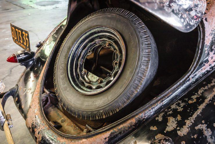 """lincoln zephyr v12 car 18 740x494 - 1936 Lincoln-Zephyr V12 """"Twin-Grille"""""""