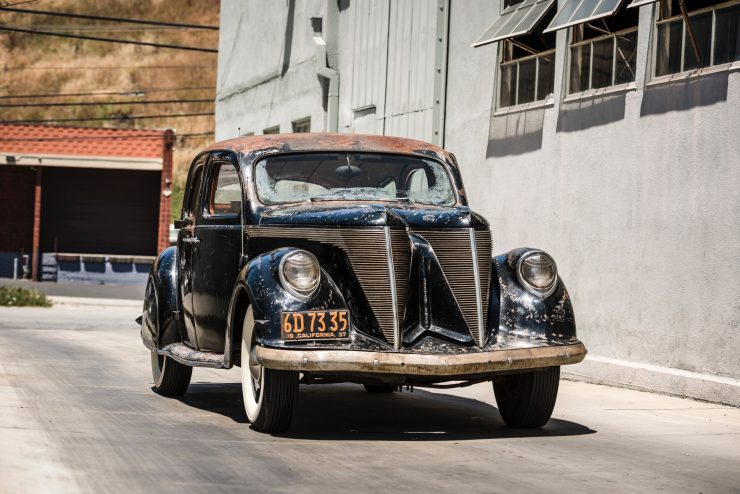 """lincoln zephyr v12 car 24 740x494 - 1936 Lincoln-Zephyr V12 """"Twin-Grille"""""""