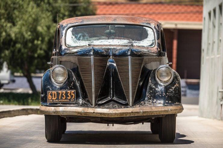 """lincoln zephyr v12 car 26 740x494 - 1936 Lincoln-Zephyr V12 """"Twin-Grille"""""""
