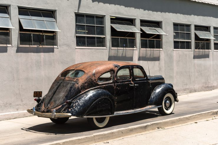 lincoln zephyr v12 car 28 740x494