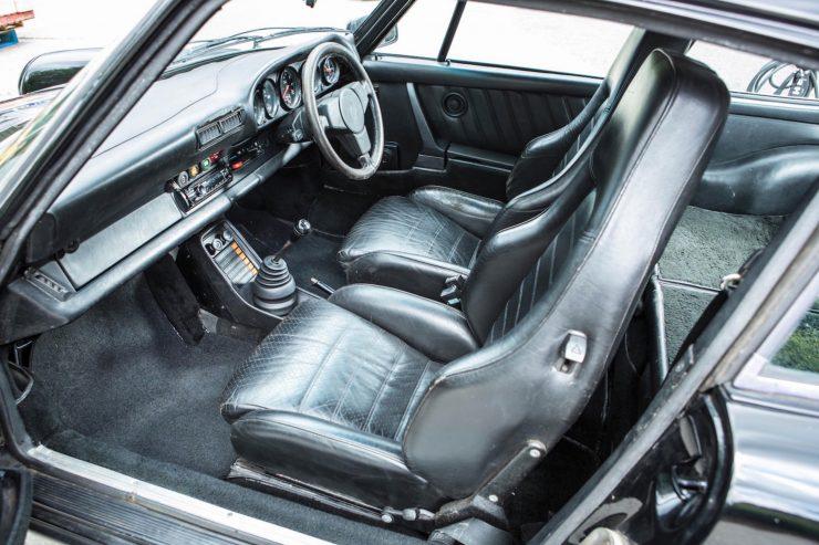 porsche 911 930 turbo 10 740x493 - Ex-Peter Sellers Porsche 930 Turbo