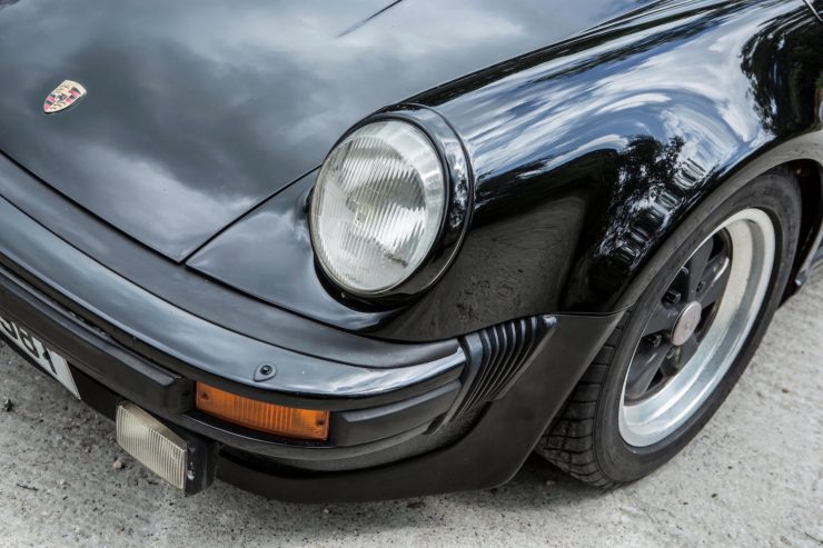 porsche 911 930 turbo 14 740x493 - Ex-Peter Sellers Porsche 930 Turbo