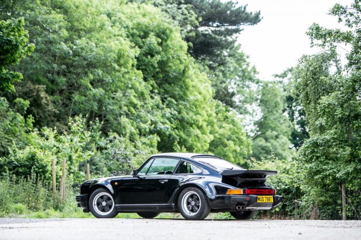 porsche 911 930 turbo 6 740x492 - Ex-Peter Sellers Porsche 930 Turbo