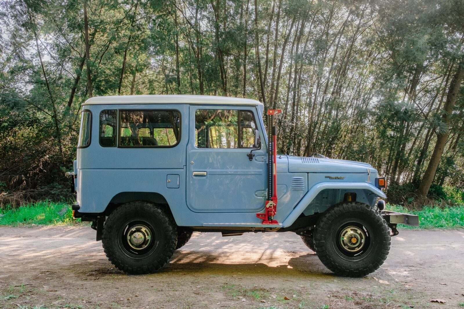 toyota land cruiser bj40 10 1600x1067 - A Retro Mod Toyota Land Cruiser BJ40 by Legacy Overland